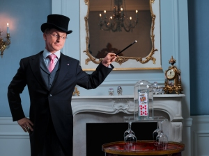 Steve Cohen, also known as the Millionaire's Magician, has performed his show at the Waldorf 3,000 times — for 250,000 people.