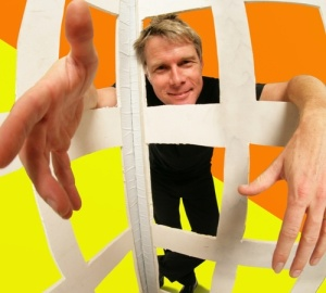 """I turn regular juggling into a living organism,"" says Mark Nizer, whose show is in ""4-D."" Photo: twitter.com"