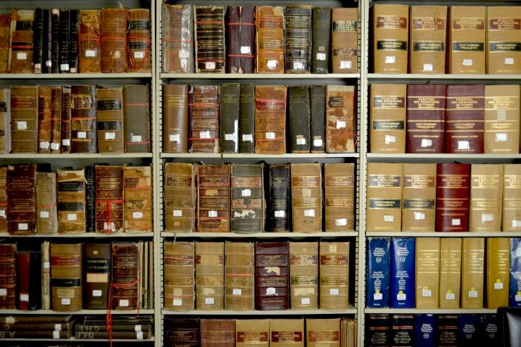 Editorial_ConferenceRm_HistorialVols copy